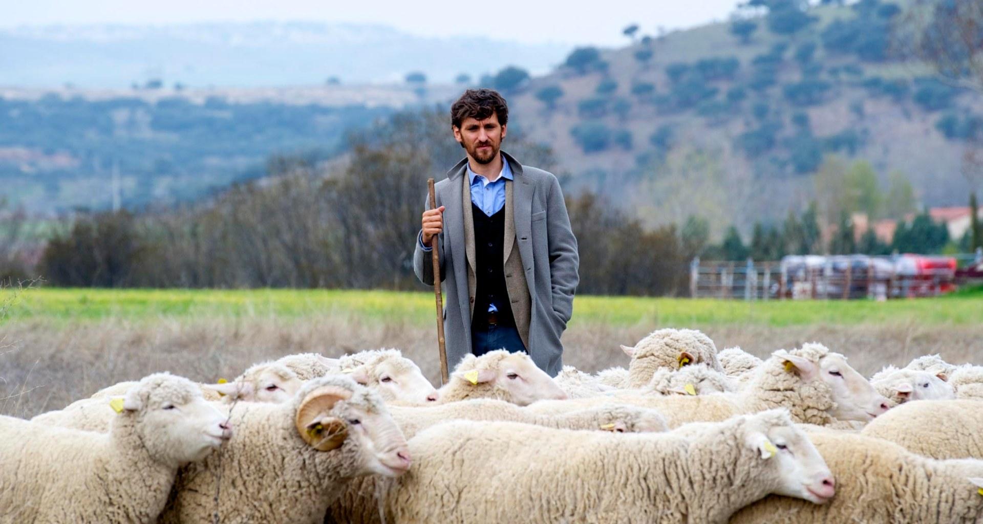 """MADRID, ESPAÑA - Fotos durante el rodaje de la pelicula """"Las ovejas no pierden el tren"""" dirigida por Alvaro Fernandez Armero en Marzo 21, 2014 en Madrid, España. (Foto por Juan Naharro Gimenez)"""