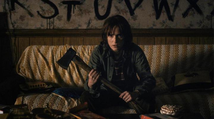 stranger-things Winona Ryder