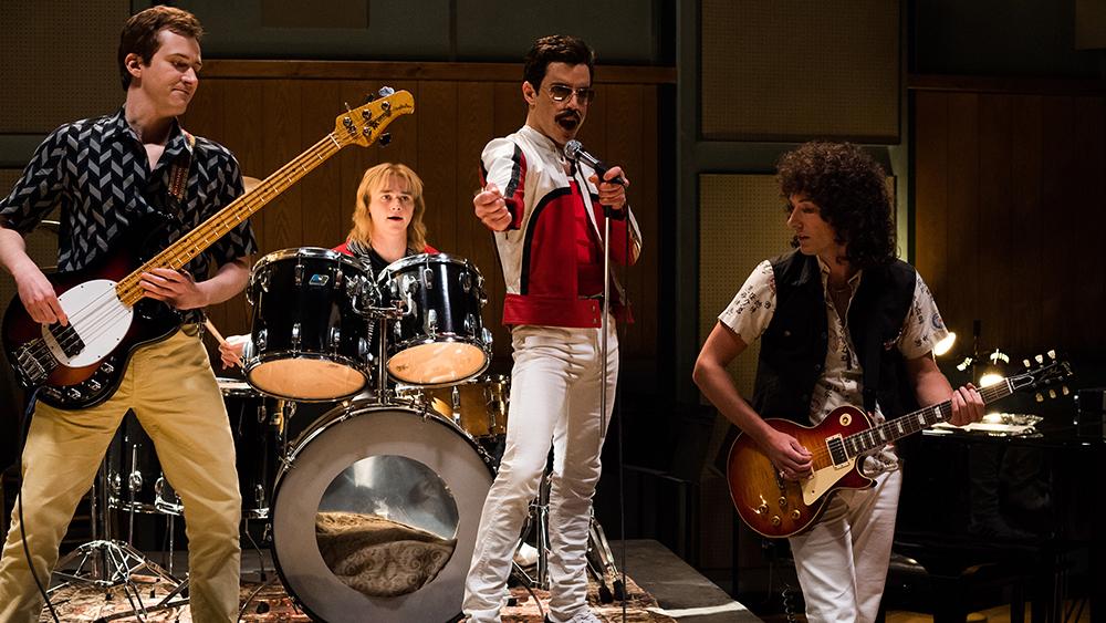 Spulberat de critici, face sălile să vuiască: Bohemian Rhapsody